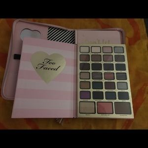 Too Faced Best Year Ever 2018 Eyeshadow/Planner